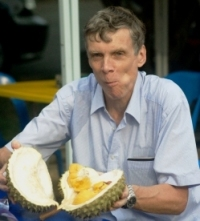 Richard_eating_Durian_in_KL2